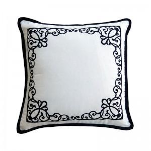 Capa de almofada bordado com arabesco preta