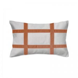 Capa de almofada rineira bordada em linho com veludo terracota