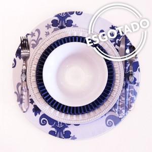 Capa para sousplat arabesco branco com azul