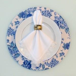 Capa para sousplat floral azul