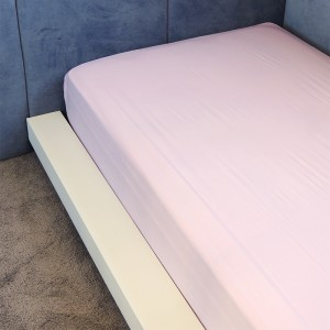 Lençol de elástico infantil liso rosa
