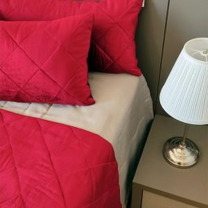 Kit Manta veludo vermelho + porta travesseiro